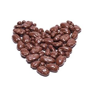 פקאן מצופה שוקולד חלב